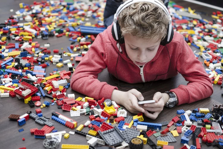 Bild zum Thema Förderung (verweist auf den Fachdienst Autismus)