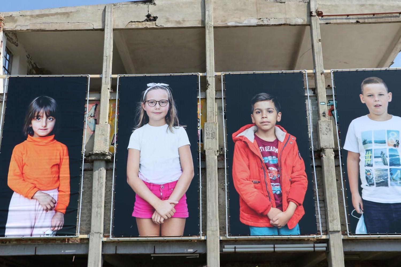 Bild zeigt: Vier Portraits mit Kindern