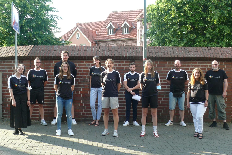 Bild zeigt: Das Team für das Mädchenfußballcamp