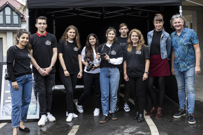 Foto zeigt: Organisatoren und Teilnehmer des Fotoprojektes